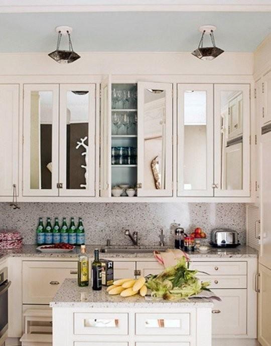 Kein Fenster über dem Spülbecken?  Hängen Sie einen Spiegel!