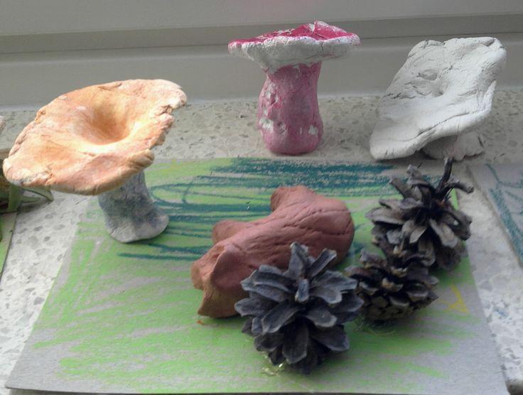 Syksyisiä sieniä (2.lk)