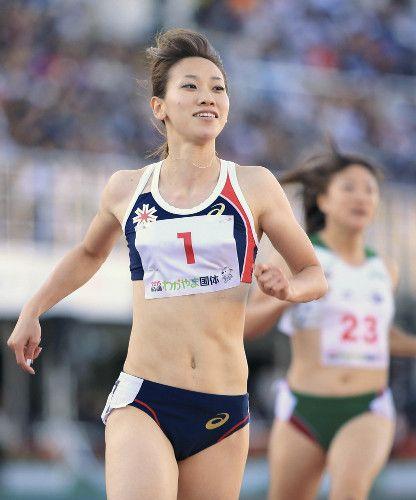 成年女子100メートルで優勝した福島千里(3日)=金沢修撮影