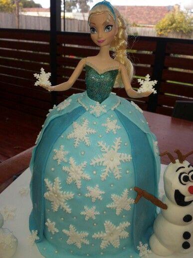 Elsa fondant cake