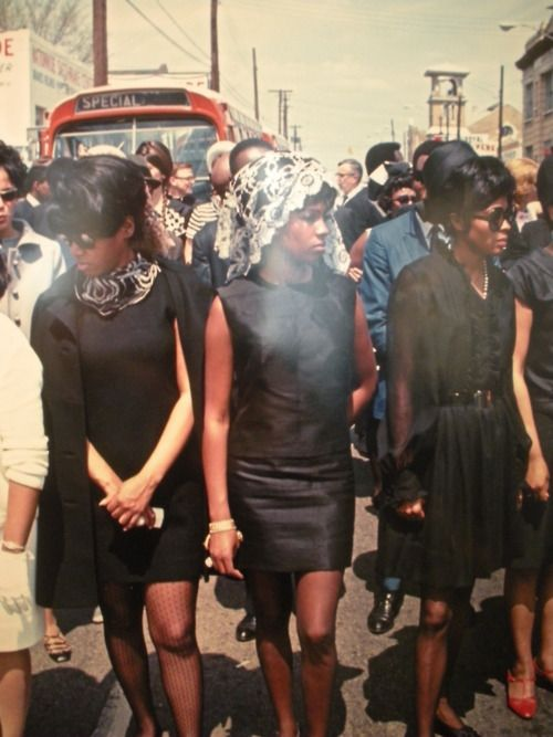 The supremes at MLK Jr. memorial service 1968.  -  chic, even in mourning.