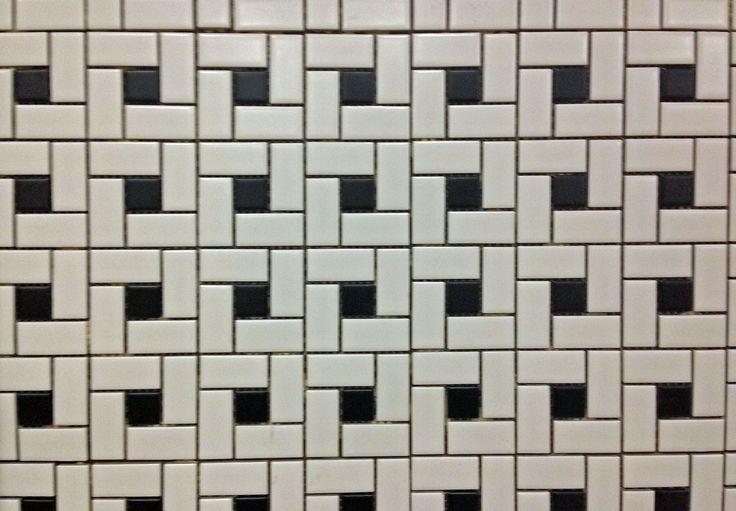 Anatolia Soho White w/ Black Dot Pin Wheel Mosaic