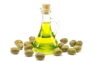 How to Use Olive Oil on Hair thumbnail