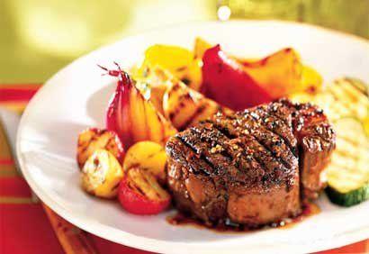 Filets mignons marinés au vin rouge et au poivre