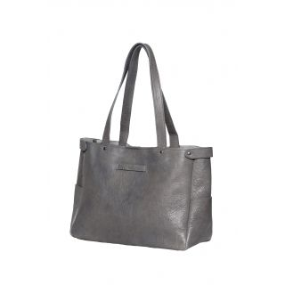 Super grey leather bag from Elk http://www.elkaccessories.com.au/collections/40/womens/77/leather-bags/537/hamburg-carryall#3251