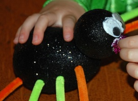 Cover Polystyrene eggs with glitter to make sparkly spiders. Great craft for boys and girls