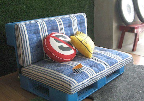 DIY Möbel aus Europaletten sofa auflagen kissen rund