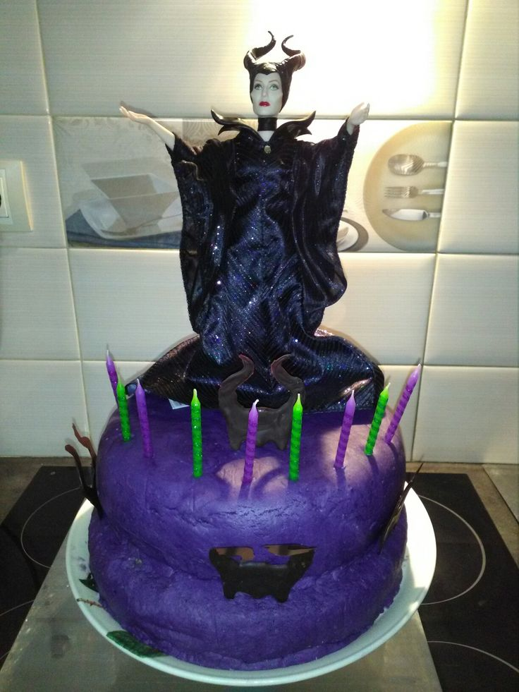 MY MALEFICENT BIRTHDAY CAKE