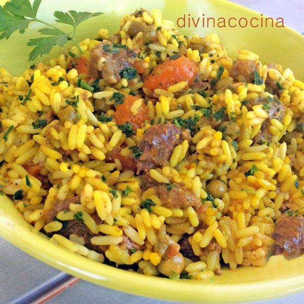 Para 4 pesonas: 4 tazas de arroz (unos 350 gr) de la variedad que suelas usar - 3 dientes de ajo - Media cebolla - Medio paquete (200 gr) de ...