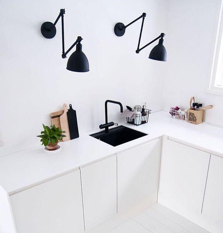 Ihanaa juhannusviikkoa  Bazar - By Rydens  Photo by @heinassaheiluvassa  #sessaklighting #byrydens #bazar #interiorinspiration #interiordesign #lightingideas #lamp #lighting #walllamp #homedecor #homelighting #homedesign #homeinspo #kitchenlighting #kitchendesign #beautifulhomes #interiorstyle #sisustus #seinävalaisin #keittiö #valaisin #scandinavianinterior #scandinaviandesign #skandinaviskehjem