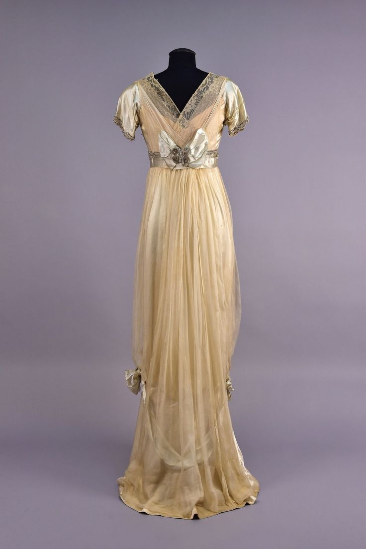 Worth evening dress, 1910′s From Whitaker Auctions Vintage Dresses, dress, clothe, women's fashion, outfit inspiration, pretty clothes, shoes, bags and accessories