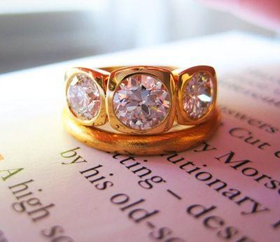 Vintage diamonds set in 18k yellow gold bezel 3 stone ring