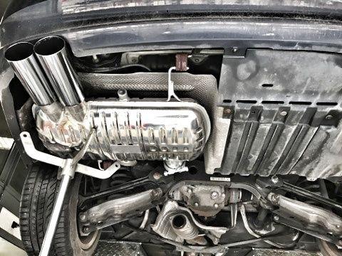 Montage d'un silencieux arrière inox Eisenmann Exhaust Systems sur #BMW 330D ;) 🔧🚗