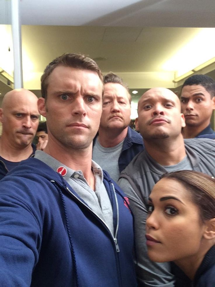 Mo Gallini, Jesse Spencer, Christian Stolte, Joe Minoso, Monica Raymund, and Charlie Barnett