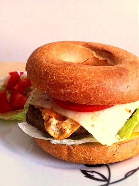 早い安いうまい。 ベーグル6個で200円程度 - 14件のもぐもぐ - Bagel burger by N K