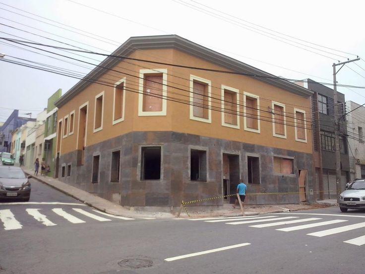 Uma Pizzaria Tradicional e Moderna no Centro de Jundiaí. | Larissa Carbone Arquitetura