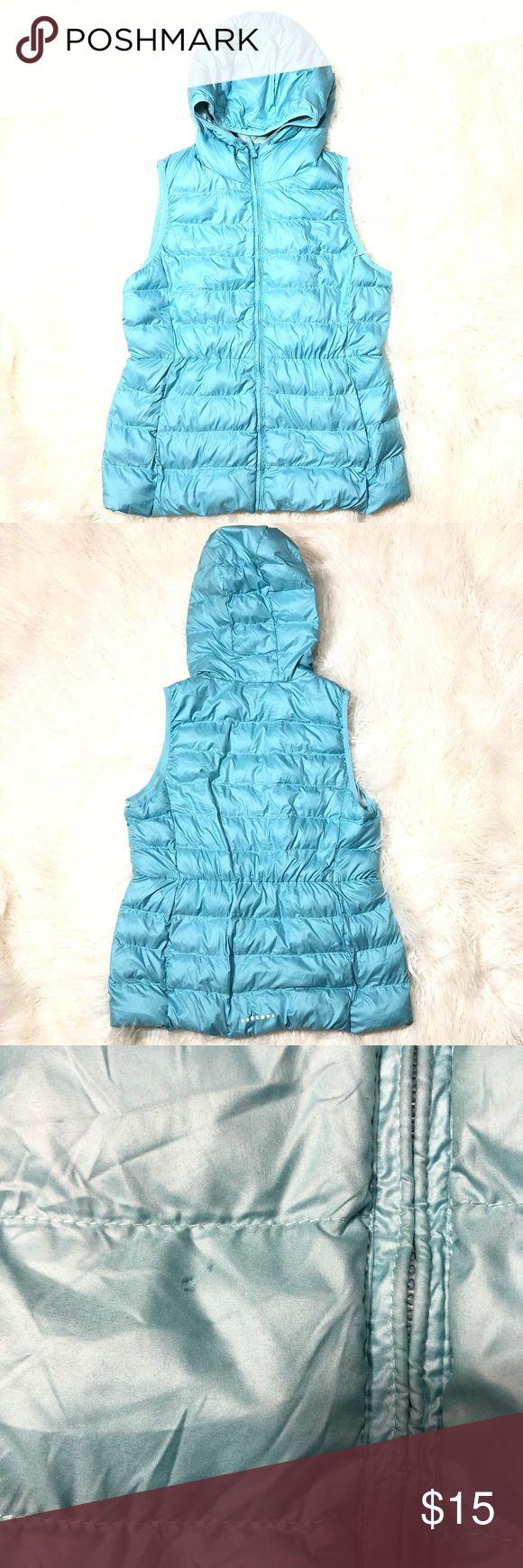 Uniqlo Kids Puffer Vest Ultra light Hooded Size 12 Thin