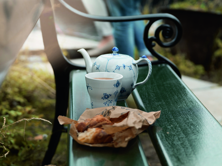 Lovely Blue Fluted Plain Teapot and Blue Elements Thermal Mug