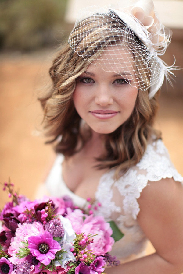 a sassy birdcage/ hat combo on this beautiful bride Photography by http://jasminestarphotography.com