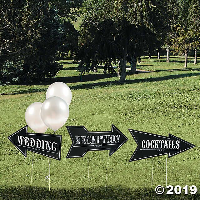 This Cardboard Yard Sign Kit Is Perfect For Outdoor Weddings And Wedding Celebrat Wedding Reception Accessories Custom Wedding Signs Cocktail Wedding Reception