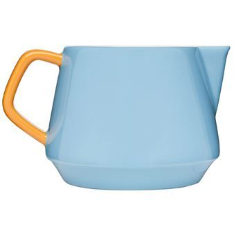 POP jug from Sagaform is included in the charming series designed by Ann-Carin Wiktorsson where she has combined playfulness with function. The series with its lovely colors lighten up your kitchen table everyday.