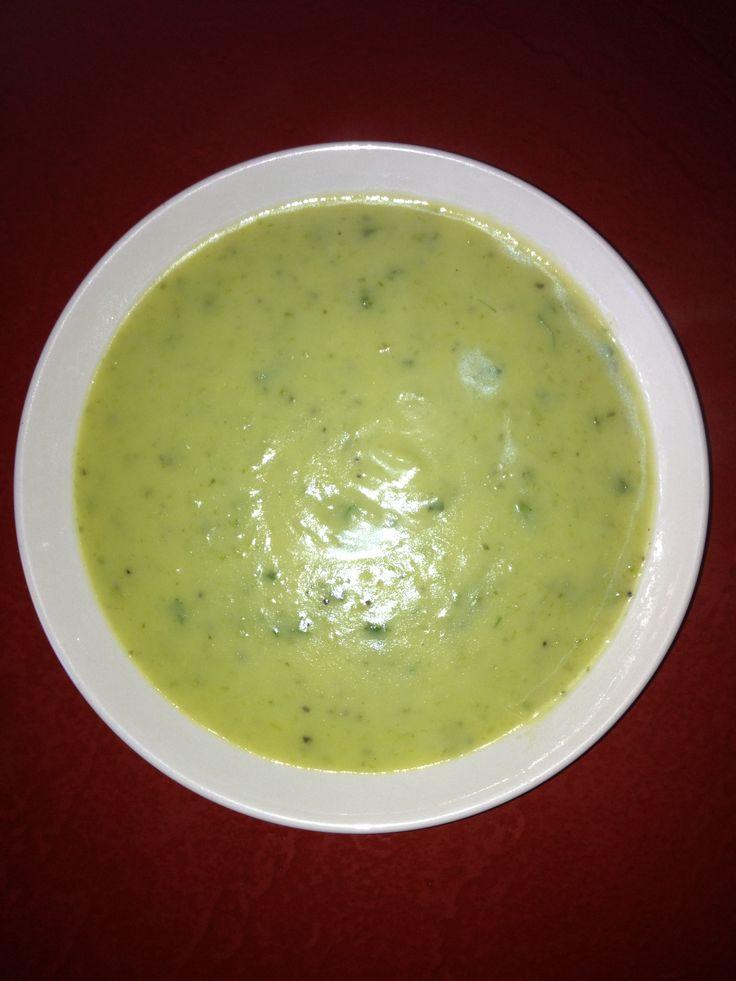 Recipe Cream of potato and celery soup by Alison Leviton - Recipe of category Soups