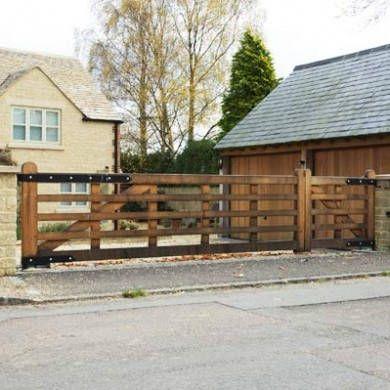 Oak Driveway Gates - Dinmore