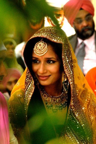 maang tika indian jewellery Wedding accessories jewellery beautiful fashion inspiration ideas | Stories by Joseph Radhik