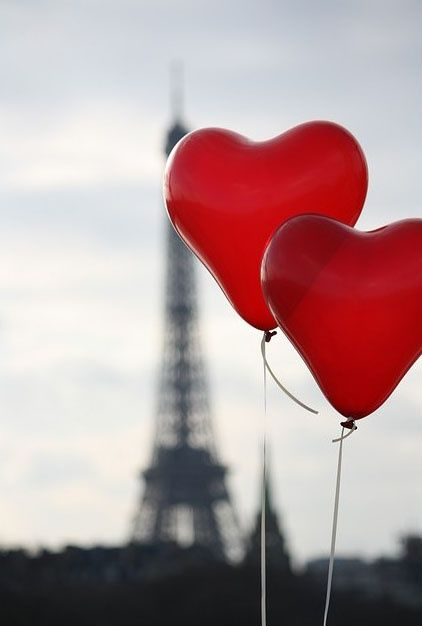 Love in Paris - Red Balloons