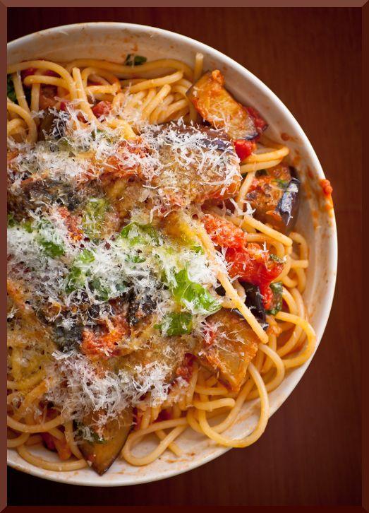 Now I just need a translator....  Pasta alla Norma - la Sicilia in tavola | myLifeandtravel