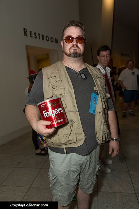 Walter Sobchak - Dragon Con 2013 (with Donnie in coffee can)