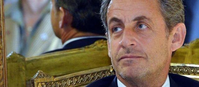 Affaire Bettencourt : non-lieu requis pour Nicolas Sarkozy. Le rapport est arrivé, jeudi matin, sur le bureau de la Direction des affaires criminelles et des grâces (DACG) du ministère de la Justice : c'est un non-lieu que le procureur de la République de Bordeaux requiert à l'égard de Nicolas Sarkozy, récemment mis en examen pour abus de faiblesse dans l'affaire Bettencourt.
