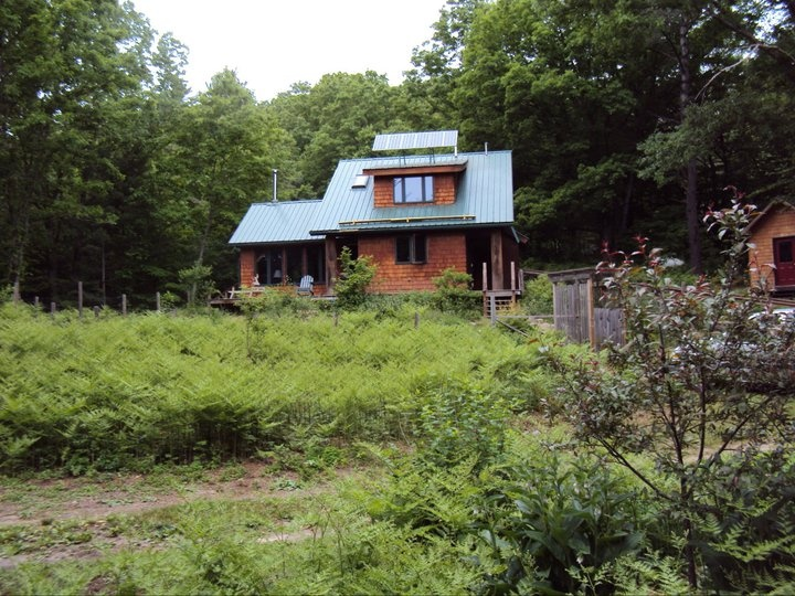 78 images about off grid and loving it on pinterest for Off grid cabin foundation