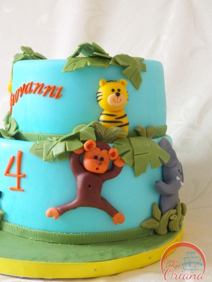 Torta giungla | fondant animals, jungle cake  http://blog.giallozafferano.it/crociedeliziedioriana/2015/05/torta-giungla.html