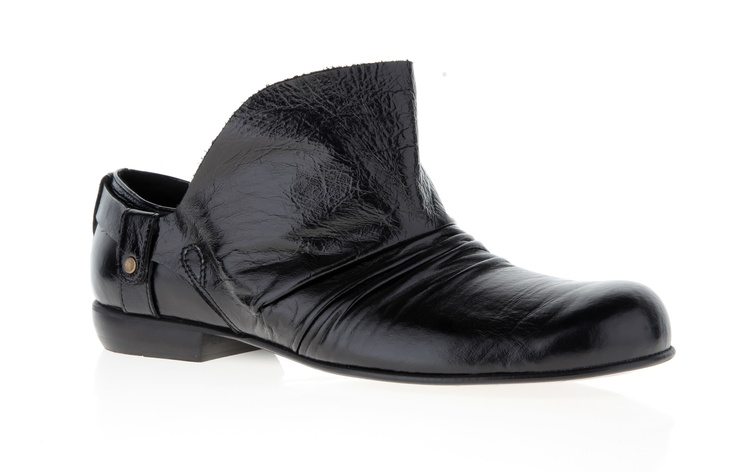 Mens shoe (leather shine)