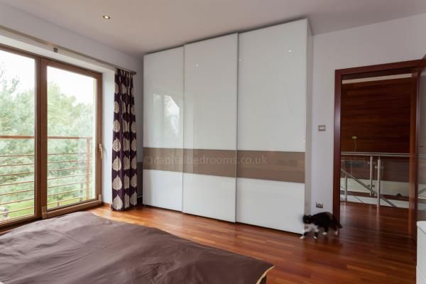 Fitted Wardrobes Specialist is a leading maker of quality sliding wardrobes in the London area. Fitted sliding wardrobes are a great choice if you are looking for storage solutions that are efficient and yet, extremely good-looking. Available in a massive choice of finishes, these sliding wardrobes are made from German CNC machines that ensure 0.1 precision cutting.