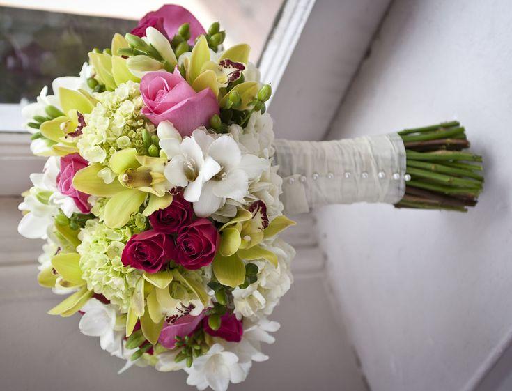Bouquet 16: <span>Davies Attendants</span>