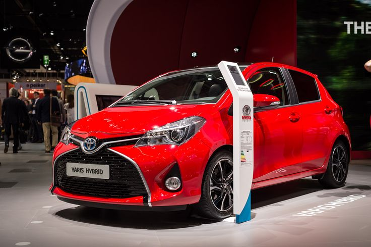 Two additions to the European #Yaris range appear at Frankfurt show, ahead of UK line-up announcement: http://blog.toyota.co.uk/2016-toyota-yaris-frankfurt. (Details of the UK 2016 Yaris specifications and availability will be announced later.) #Toyota #IAA2015