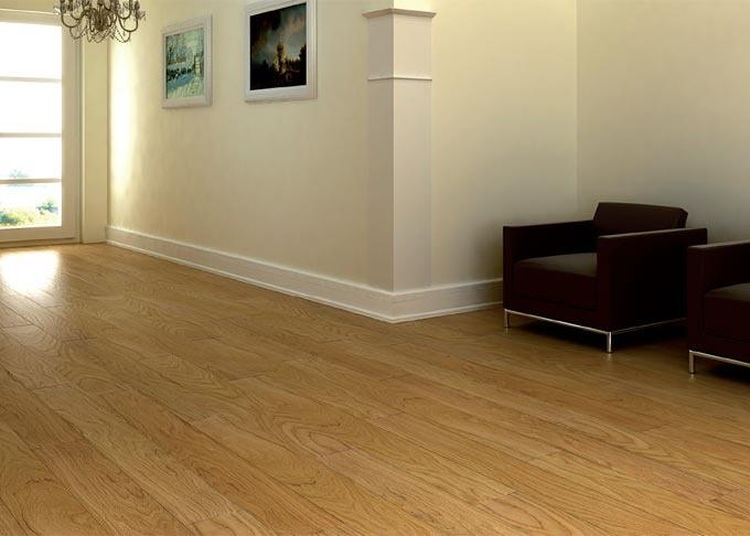 Pavimenti prefiniti in legno plank - plank rovere spazzolato, verniciato.