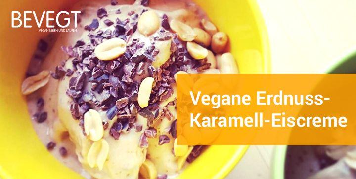 Eine Schale mit veganer Erdnuss-Karamell-Eiscreme