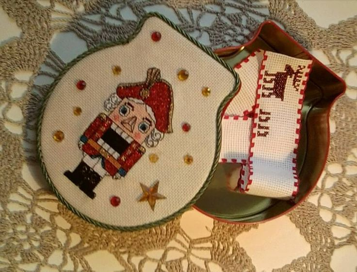 Щелкунчик-новогодняя шкатулка для подарков