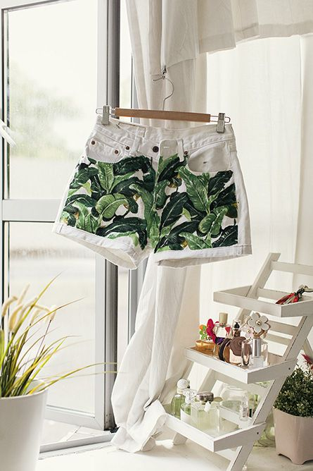 Jungle-painted, white denim shorts!  Not much of a painter, myself, but I'd like to try this.