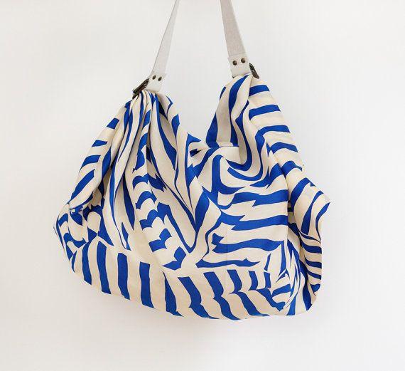 Streifen-Furoshiki-Tasche (Marine) & weiß Leder tragen Gurt-Satz