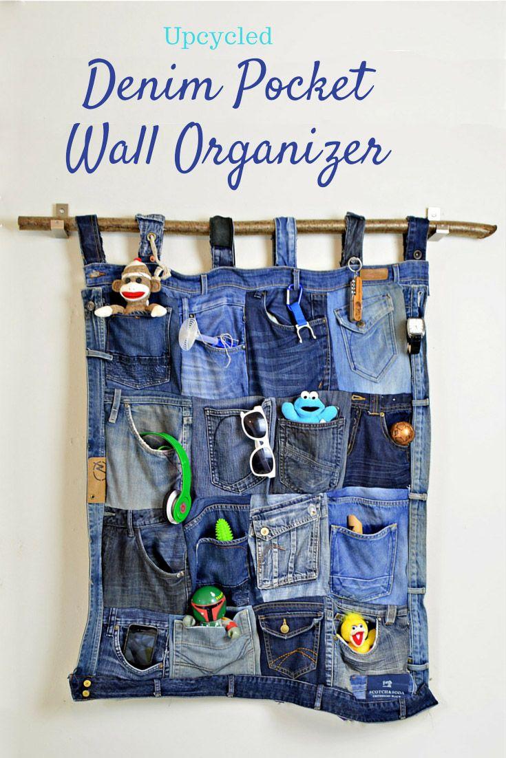 Hacer este fantástico organizador de bolsillo del dril de algodón de los pantalones vaqueros viejos.  tutorial completo y instrucciones paso a paso.  Parecería grande en un dormitorio adolescente o una oficina en casa.
