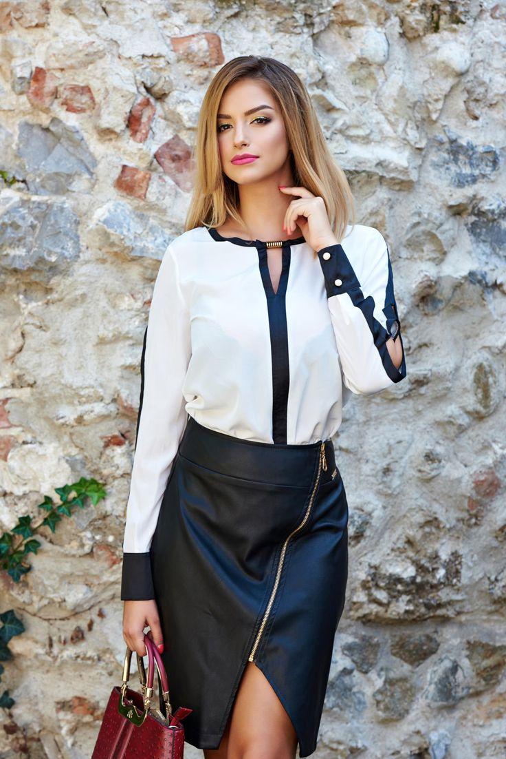 Bluza PrettyGirl New Beginning White. Bluza eleganta din material satinat. Este…