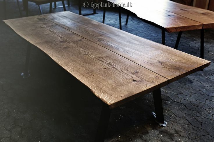 rustikt spisebord i træ