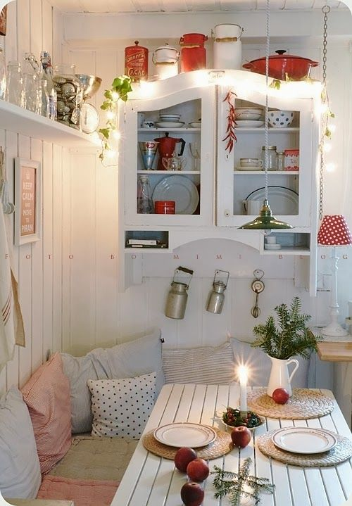 Bomimi Deco style. Cosy and warm cottage  atmosphere. Pillow. Table. Living style interior Design White red. Kitchen. Dining Room: