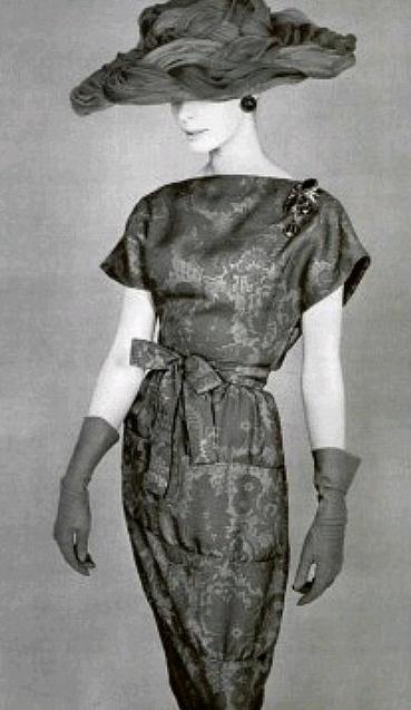 Elegant printed silk dress by Lanvin-Castillo, photo by Philippe Pottier, 1961.