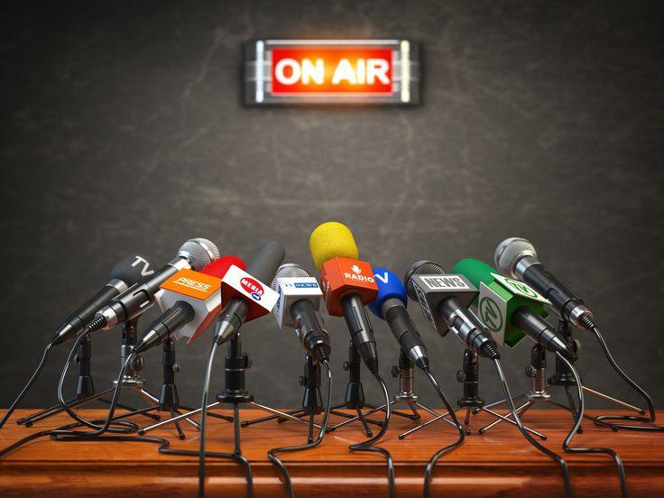 Online és nyomtatott sajtó, szakácskönyv, élő megjelenések, videók.