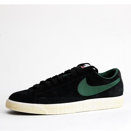 Nike Blazer Low Premium Vintage Black & Green.  The Nike Blazer sneaker debuted in 1972, the classic Nike Blazer design is over 40 year's old. Re-released in 2012 with white highlights and an oxidised sole for a vintage look.